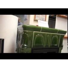 Керамическая печь BRITANIA KI, с кафельным цоколем, с допуском воздуха, зеленый